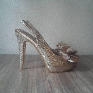 Lulu Townsend l gold platform slingback heels new